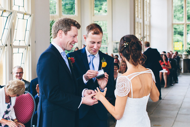 new-forest-wedding-photography-mister-phill-sara-and-paul-049