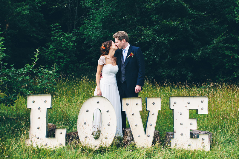 new-forest-wedding-photography-mister-phill-sara-and-paul-090